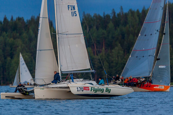 Flying-By-ja-Auvo-maalissa-2013